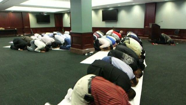 مصلون في مسجد بنيويورك