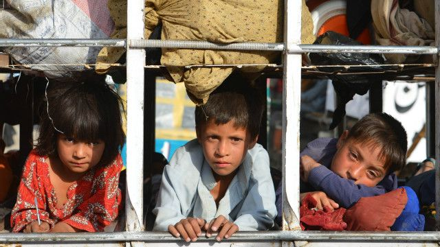 شمالی وزیرستان سے نقل مکانی کرنے والے بچے