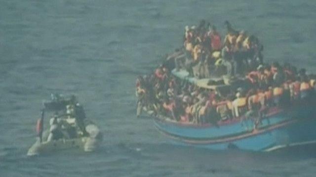 30 мигрантов погибли на переполненном судне