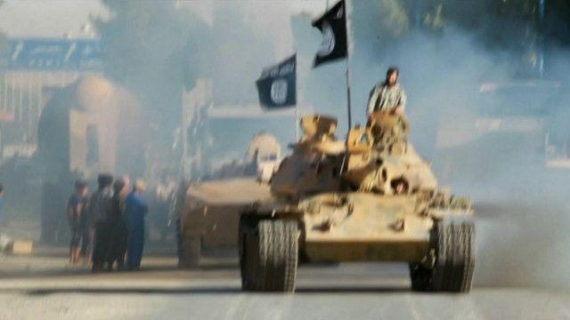 استعراض لعناصر تنظيم الدولة الإسلامية