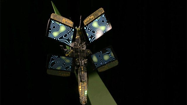 Mariposa con alas de teléfono móvil