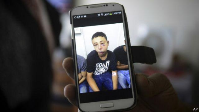 وضع الفتى الأمريكي ذي الأصول الفلسطينية طارق أبو خضير رهن الإقامة الجبرية لمدة تسعة أيام