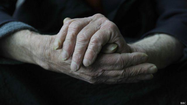Um em três casos de Alzheimer pode ser evitado, diz estudo