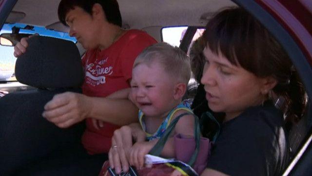 Донецька область, жителі тікають від конфлікту