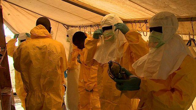 رجال صحة في ليبيريا