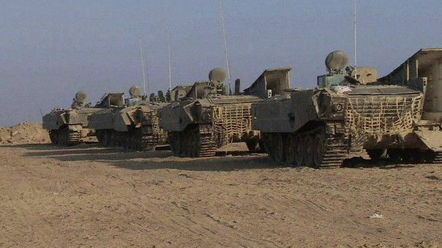 مدرعات للجيش الاسرائيلي على حدود غزة