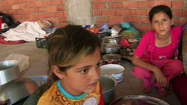 اطفال من الديانة الايزيدية