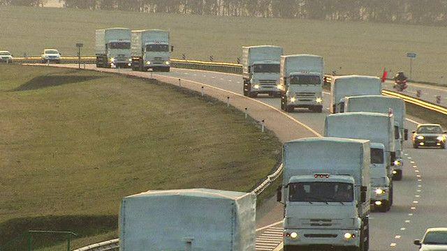 قافلة من الشاحنات الروسية الى الانفصاليين في شرق اوكرانيا