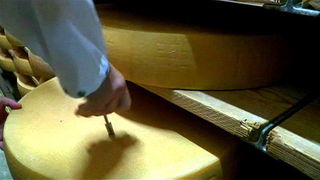 Швейцарский сыр оказался камнем преткновения между этой страной и ЕС