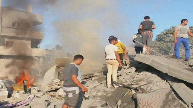 اثار القصف على البيوت في غزة