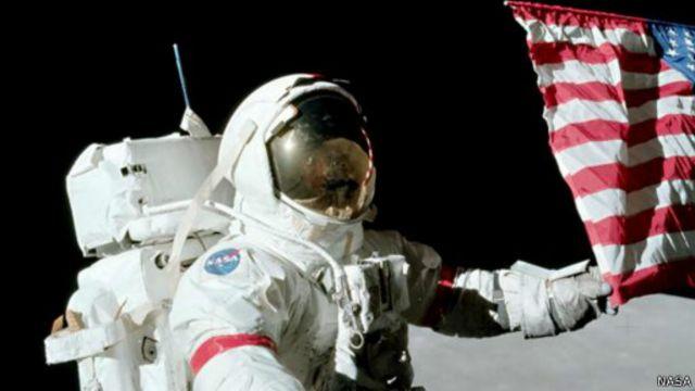 حوار مع آخر شخص سار على سطح القمر
