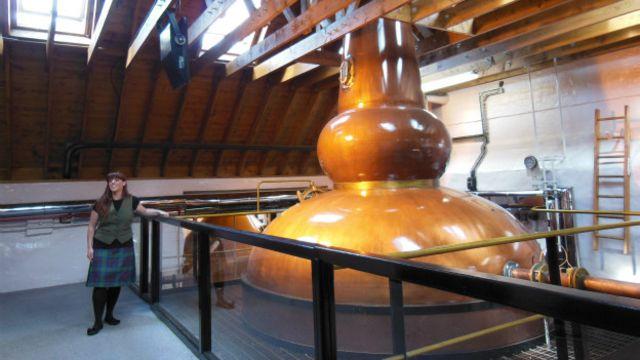 Por qué el mundo está consumiendo menos whisky escocés