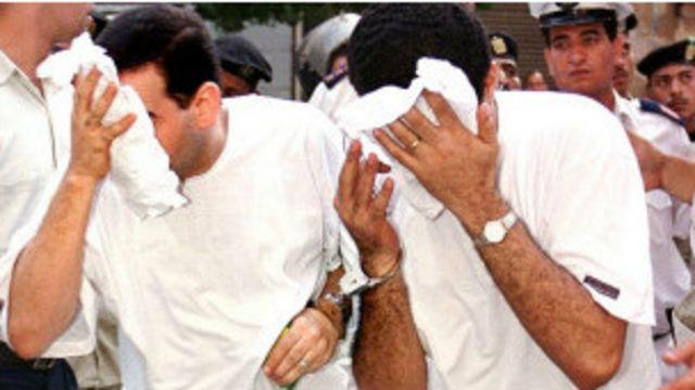 """مصر: حبس تسعة متهمين في """"فيديو"""" زفاف شابين مثليين"""
