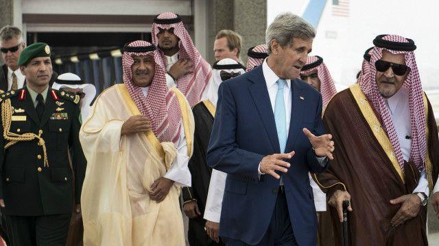 جان کیری سعودی عرب کے دورے پر