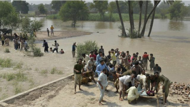 کشمیر: سیلاب متاثرین کا بڑھتا ہوا غصہ