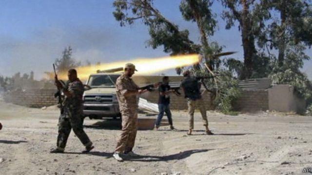"""قطر """"أرسلت طائرة محملة بأسلحة"""" لميليشيات مسلحة في طرابلس"""