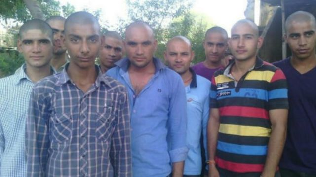 قرويون في الهند يحلقون رؤوسهم حدادا على موت قرد القرية