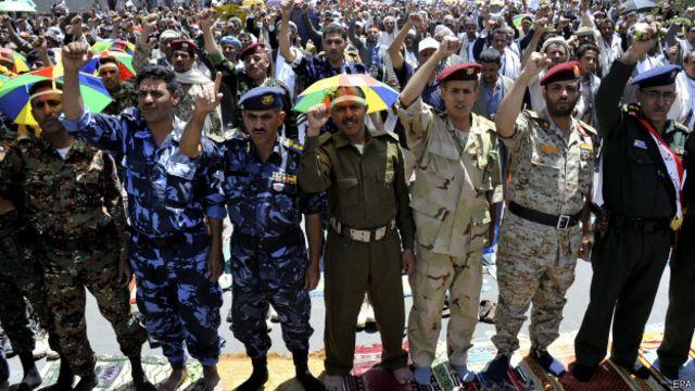 اتفاق لتشكيل حكومة جديدة بين الحوثيين وعدة احزاب يمنية