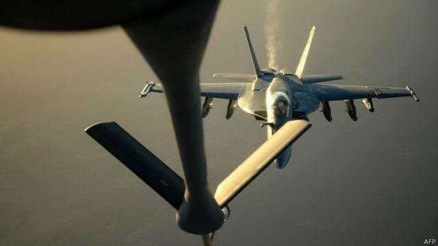 Aviones sauditas y emiratíes participan en ataques a Estado Islámico