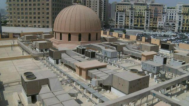 مسجد في دبي يراعى الالتزام بلوائح الحفاظ على البيئة