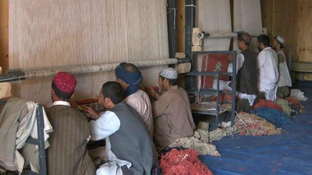 مدمنون على المخدرات في افغانستان