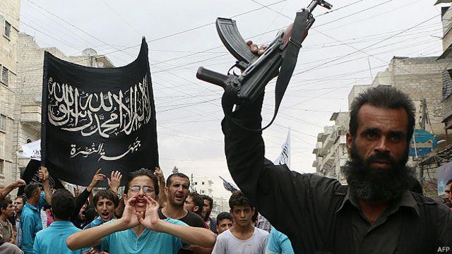 Frente al Nusra: ataques aéreos de EE.UU. son guerra contra el Islam