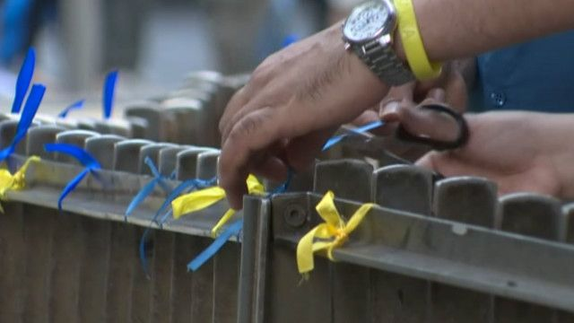 сині і жовті у Гонконгу