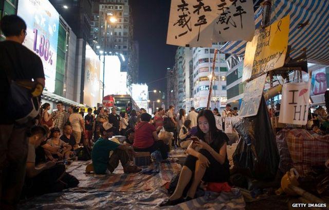 احتجاجات هونغ كونغ: الاتفاق على محادثات رسمية