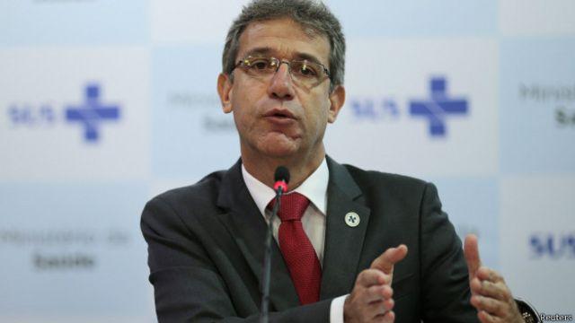Ministro chama manifestações racistas de inaceitáveis e descarta 'fechamento' de fronteiras
