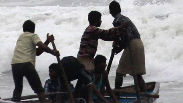 cyclone hudhud in vishakhapattnam, विशाखापत्तनम शहर में हुदहुद का असर