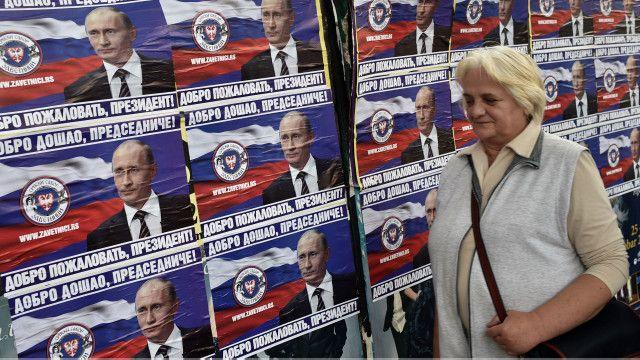 """Welcome, president"" (Putin) poster, Serbia"