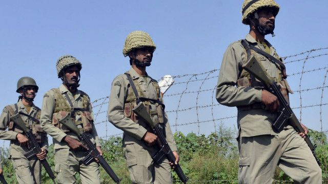 لائن آف کنٹرول پر پاکستانی فوجی
