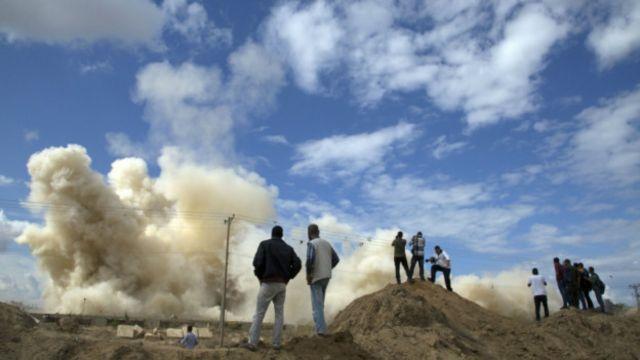 """مصر """"نسقت مع إسرائيل"""" قبل انتشارها العسكري على حدود غزة"""