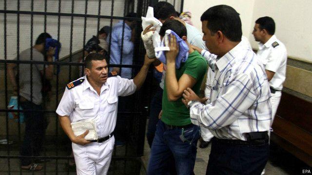 """مصر: السجن ثلاث سنوات لأصحاب فيديو """"زواج مثلي"""""""