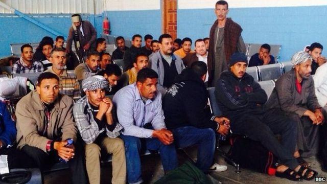 منع مئات المصريين من دخول ليبيا