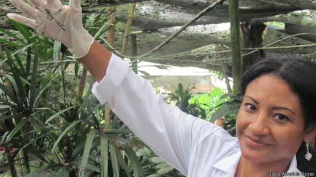 El invento colombiano que podría alargar la vida de las baterías de los celulares