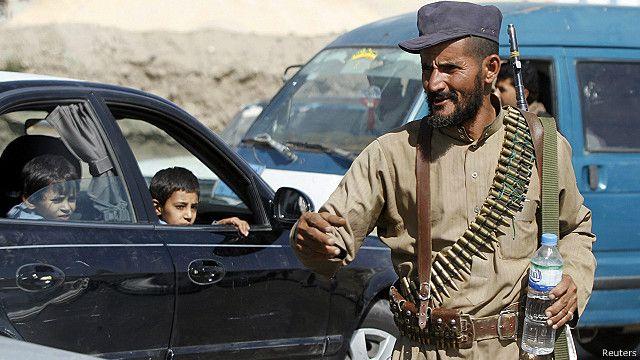"""السعودية """"تعلّق المساعدات"""" إلى اليمن بعد سيطرة الحوثيين"""