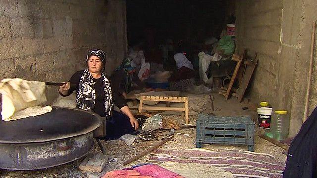 لاجئة سورية كردية في بلدة سراج التركية