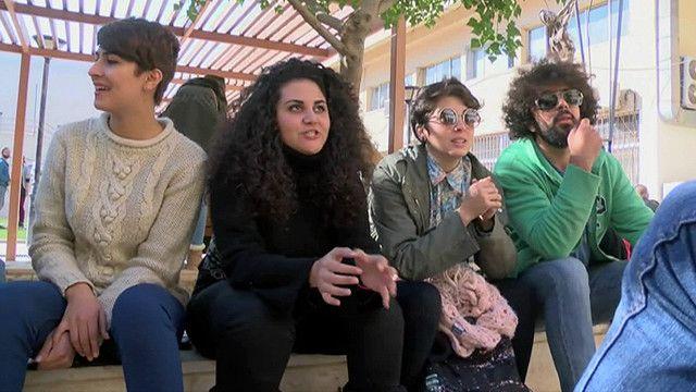 طلاب جامعيون سوريون
