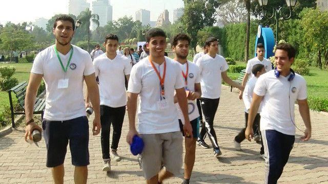 شباب مصريون يمارسون رياضة الجري