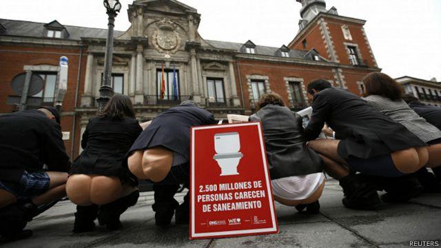#SalaSocial: 'Há mais pessoas com celular que com banheiros no mundo', diz ONU