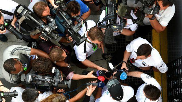O que significa regular a mídia?
