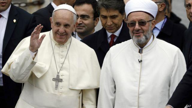 Papa'dan Sultan Ahmet Camii'ne saygı gösterisi