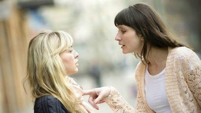 'Amigos que odiamos' estressam mais que inimigos, diz estudo