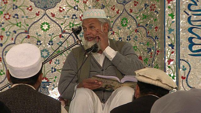 امام في احد مساجد باكستان