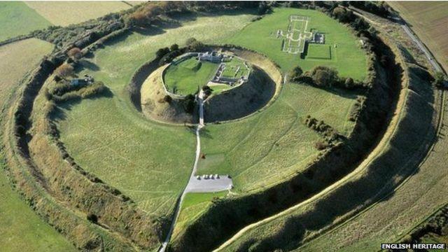 Arqueólogos britânicos mapeiam cidade medieval sem fazer escavação
