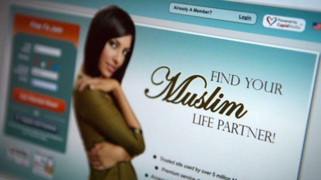 لماذا يلجأ ملايين المسلمين إلى مواقع الزواج الإلكترونية؟