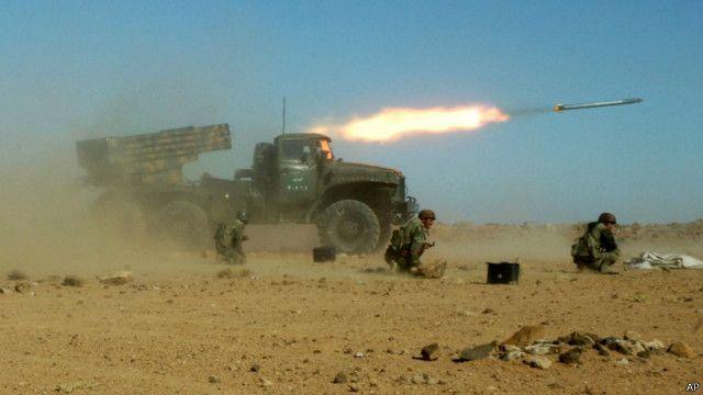 مقتل ثلاثة صحفيين سوريين في هجوم صاورخي