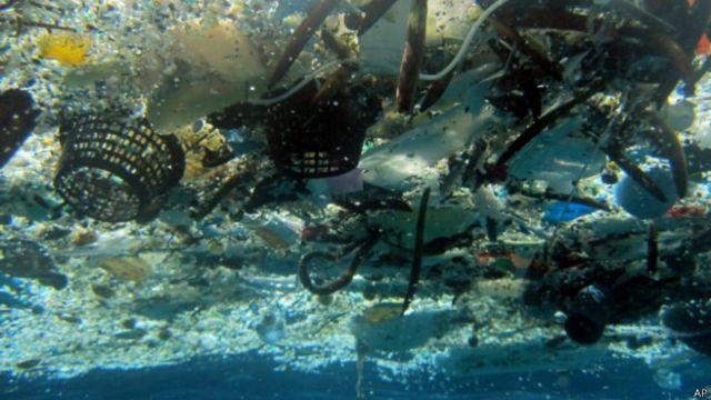 Miden exactamente cuánto plástico hay en los océanos