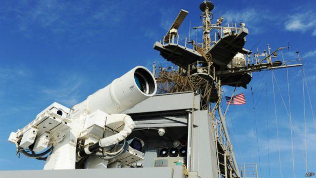 Cómo funciona el rayo láser, el arma más moderna de la marina de EE.UU.